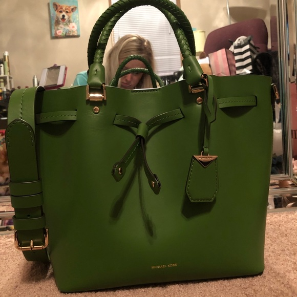 Michael Kors Kelly Green Blakely Bucket Bag. M 5bf4f12b9539f7c09e6a64d2 412db9610de5a